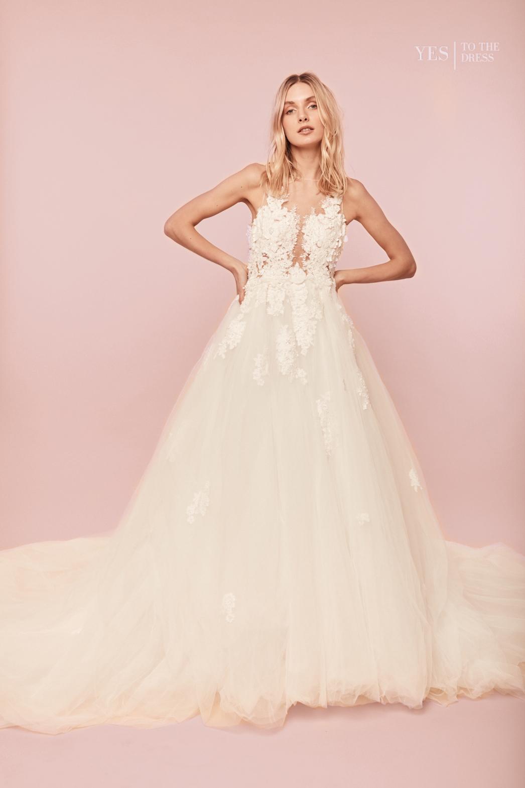 Carys_Kleid_Dress_Hochzeitskleid_A-Linie_Spitze_Tattoooptik_Front